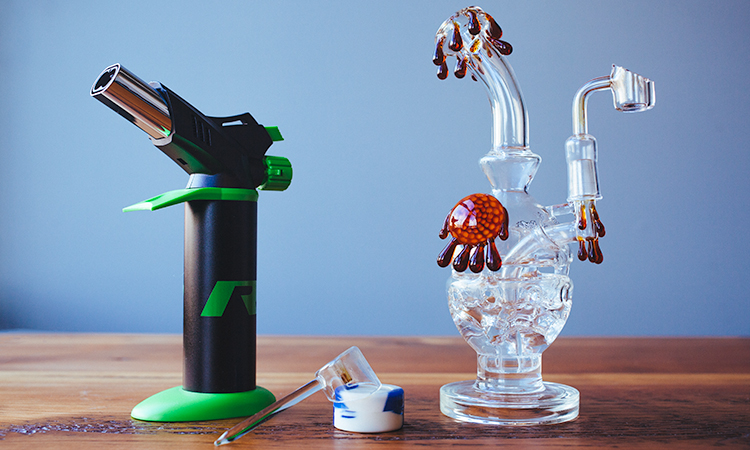 Dab Rig Set Up with Torch